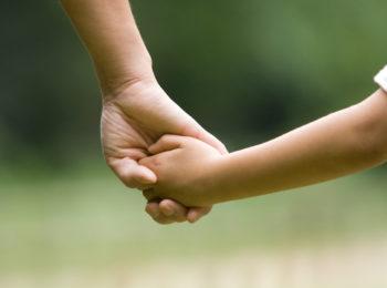 Autorizzata la passeggiata genitore-figlio