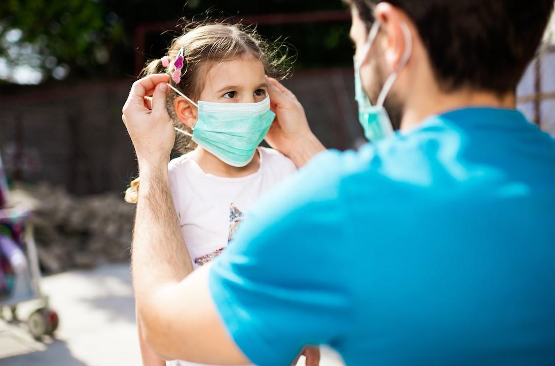 Falsi miti sulla mascherina: no alcalosi, no ipossia