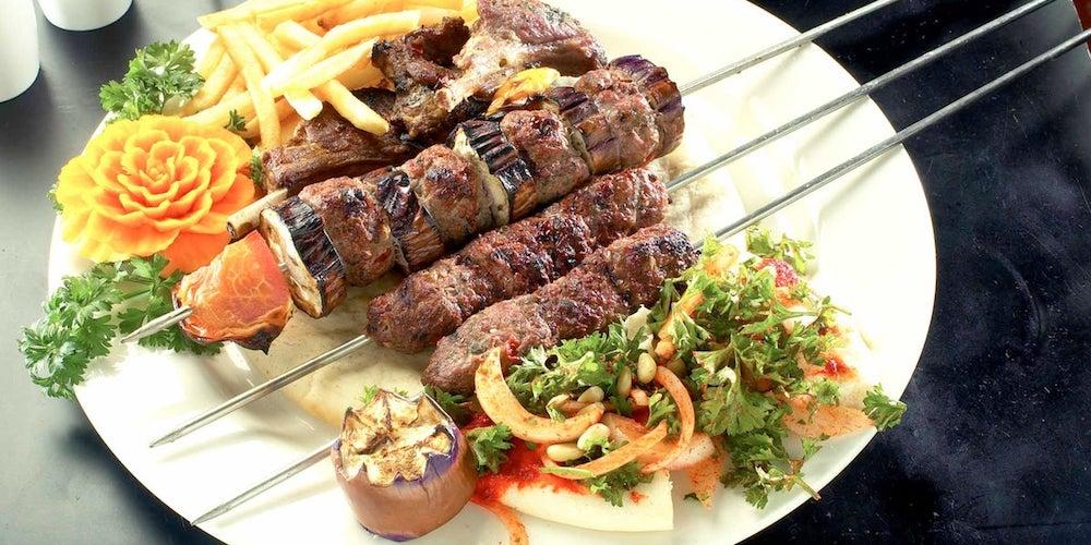 Il giro del mondo a cena: 10 ristoranti etnici amatissimi dalle famiglie torinesi