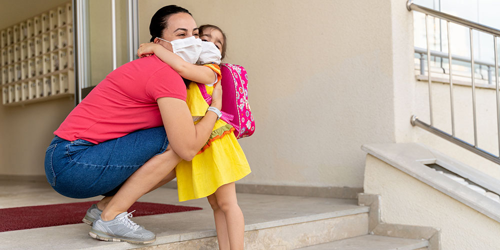 Nidi e materne: obbligo di Green Pass per i genitori. Via libera nei cortili